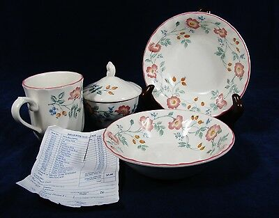 HERITAGE Mint  CHURCHILL Potters Set of Fruit Cereal Bowls Cup & Creamer England