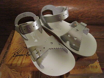 Girls Silver Leather Sandals Sun San Saltwater Sweethearts Sz. 5T - 3 Youth