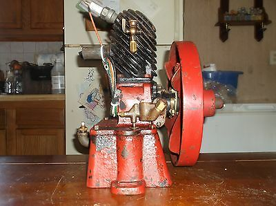 Antique Maytag Upright Hit Miss Engine 1/2 Hp