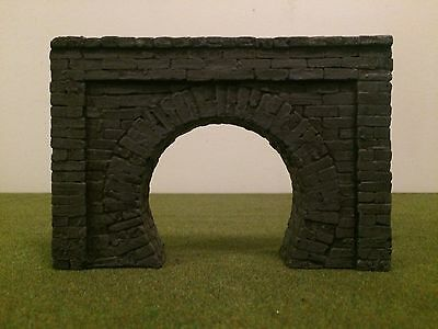 warhammer,gruntz,model train, scenery & terrain LOTR D&D Train Tunnel/Sewer open