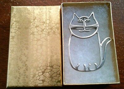 Sterling silver Cat pin / pendant.