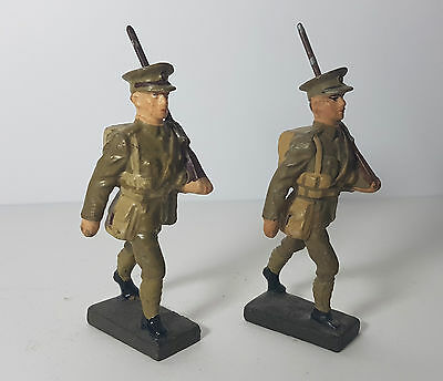 2 Lineol 7,5cm marching British soldiers (no Elastolin)
