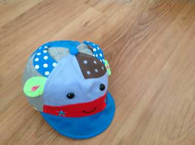 Baby boys hat age 3/6 months (new)