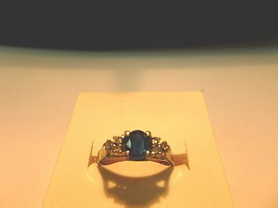 18CT Yellow Gold Sapphire And ( 6 ) Diamond Ring