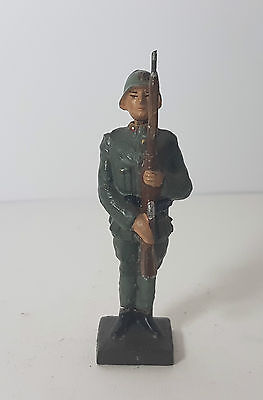 Lineol 7,5cm Italian soldier at attention (no Elastolin)