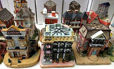 Liberty Falls Miniature Town Set & Shelves Village Houses Americana Collection