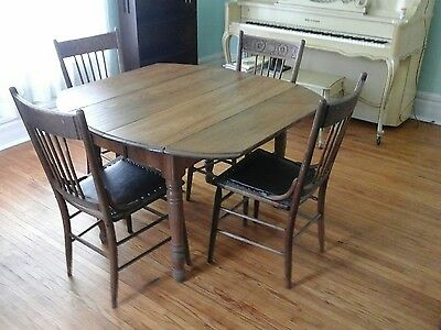 Country Style Solid Oak Dinner Table w 4 Chairs circa 1900 $675