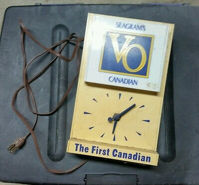 Seagram's VO Canadian Lighted Clock - Rare, VINTAGE, COOL, RETRO