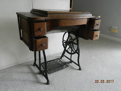 Antique  Wheeler  And  Wilson  Treadle  D9  Sewing  Machine