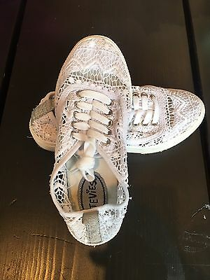 Girls Crochet Stevie's White Tennis Shoes Sneakers Playground Style Size 2