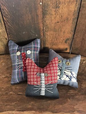 Primitive   Old Home Cats Bowl Fillers Set of 3  Red White and Blue
