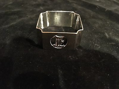 Heavy Solid Silver Art Deco Napkin Ring. 25grams