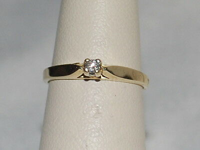 10K Gold ring with Salitaire Diamond