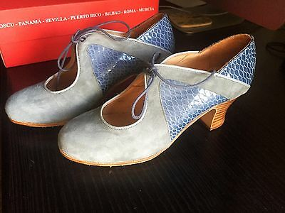 Flamenco Shoes (Women's size 6) - Brand New