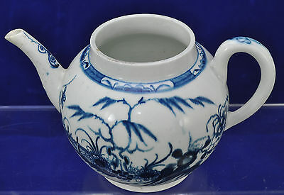 Worcester Dr. Wall 18th Century Hand Painted Chinoiserie Blue Teapot 1780