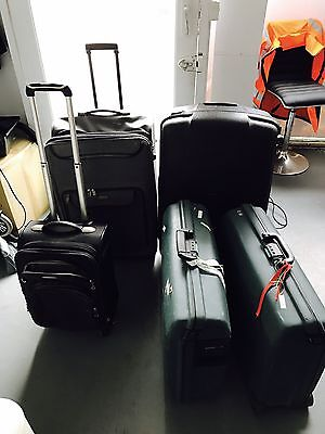 5x Suitcases Of Different Sizes Including Samsonite luggage
