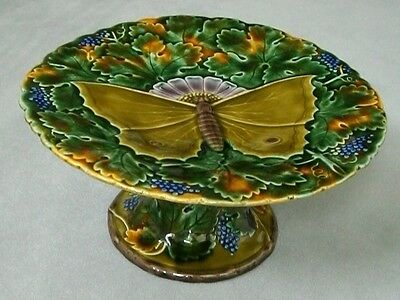 A circa 1900 SCHUTZ BLANSKO Morovia scalloped Majolica Cake Stand with large But