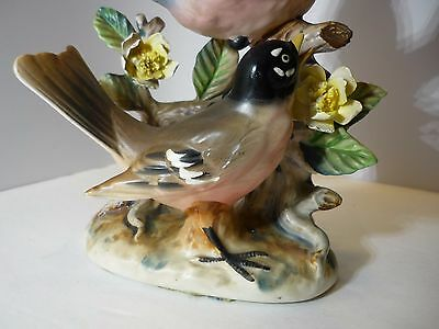 Robin Vintage Redbreast robin Birds Figurine Porcelain in tree -country kitsch