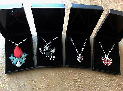 Job Lot Of 4  NEW Items Of Fashion Jewellery Gift Boxed Necklaces New 060417-05