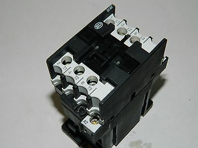 Moeller DIL00-AM 20A 3 polo Contactor 24vdc Coil.