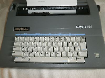 Smith Corona DeVille 450 electric typewriter with case in Very Good CONDITION