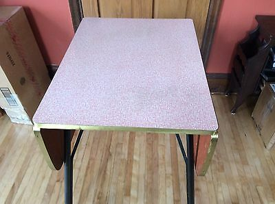 VINTAGE RETRO FORMICA DROP leaf TABLE in PINK w/ 2 CHAIRS 1950's