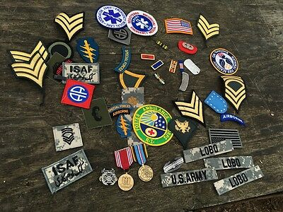 Large lot of vintage US army Pins medals and patches