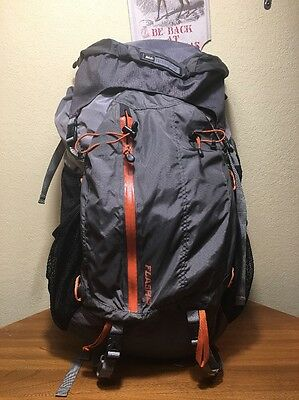 REI Flash 65 Women's Back Pack Hiking Camp Sz M