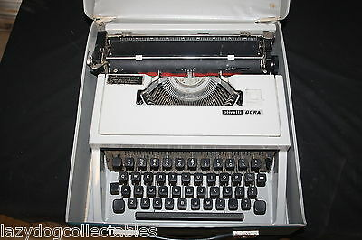 Vintage Typewritter Olivetti Dora 1970's Portable with Case