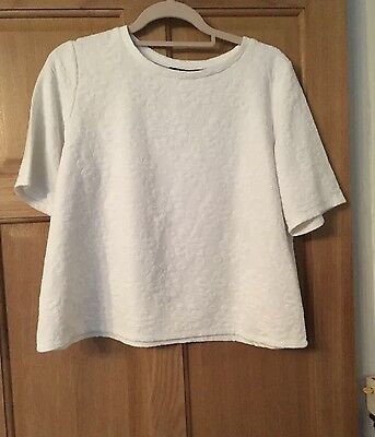 New Look Women's White Floral Textured Short Sleeved Top Size 14