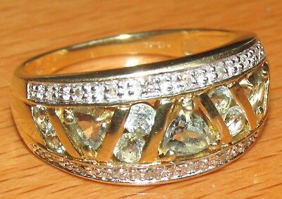BEAUTIFUL SECONDHAND 9ct YELLOW GOLD BLUE TOPAZ &  DIAMOND  BAND RING SIZE O