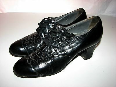 vintage 1930s Womans Shoes black leather United States Shoe Corp Red Cross 7.5 B