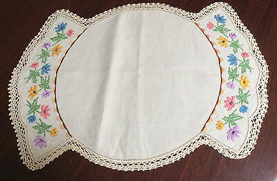 Beautiful vintage hand embroidered and hand crocheted centre piece/doyley