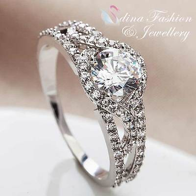 18K White Gold GP Simulated Diamond Round Sparkling Crossover Band Wedding Ring