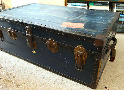 Shabby Chic vintage travel trunk chest coffee table with key
