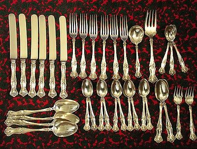 Lot Of 35 Beautiful 1847 Rogers Bros Vintage Grape Pieces Knives Forks Spoons