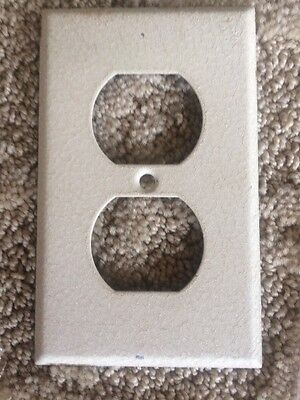 VINTAGE Ivory METAL DOUBLE  Toggle Switch Wall Plate cover