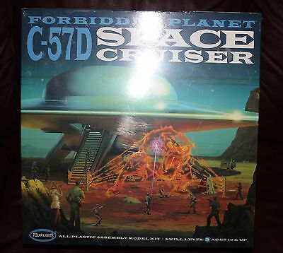 Forbidden Planet Space Cruiser C-57D Model - 1:72 Factory Sealed  Sci-Fi Classic