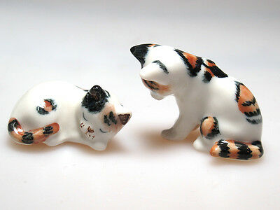 Hand Painted Miniature Collectible Ceramic Porcelain Siamese Cats FIGURINE