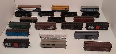 Lot of 20 HO Scale Model Railroad Freight Cars - Walthers,  Athern, AHM, Etc.