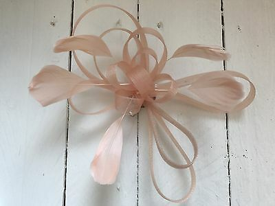Nude Feather Fascinator Hair Clip Ladies Day Races Party Wedding Hair Accessory