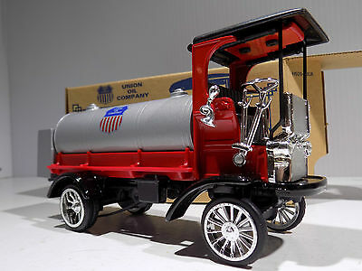 Ertl 1910 Mack Tanker Union Oil Co. MIB # H626 NEW OLD STOCK