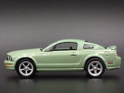 2006 Ford Mustang Gt Rare 1/64 Scale Collectible Diorama Diecast Model Car