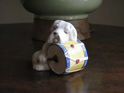 VINTAGE WHEATON TERRIER DOG FIGURINE BEATING THE DRUM, Made in England #812