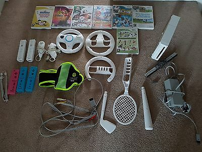 Nintendo Wii console bundle, 2 controllers and more!!!