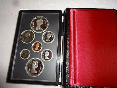 Royal Canadian Mint 1981 Proof Set With Silver Dollar
