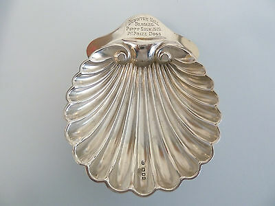 BEAGLE Dog PRIZE Solid SILVER Scallop Shell BUTTER DISH. London 1918.