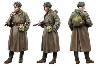 WW2 Red Army Soviet Russian Infantry Soldier Resin Minifigure WWII Scale 1/35