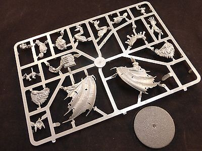 AoS Flesh-Eater Courts Crypt Flayer / Horror / Vargheist on Plastic Frame
