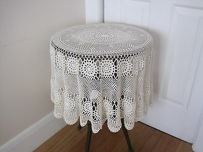 Pretty Round Hand Worked Crochet Lace Tablecloth
